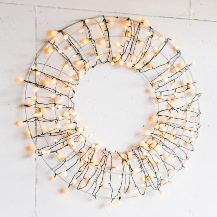 Light bright wreath