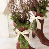 Evergreen boot decorations