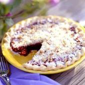 Blackberry-Pecan Streusel Pie